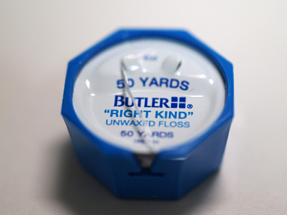 BUTLER Right Kind Unwaxed Floss