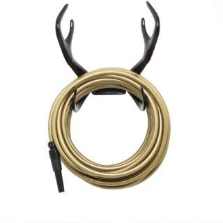 golden-garden-hose-reindeer-styke